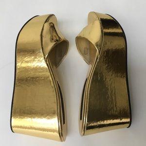 Steven Madden Pre Owned Gold Platform Mules